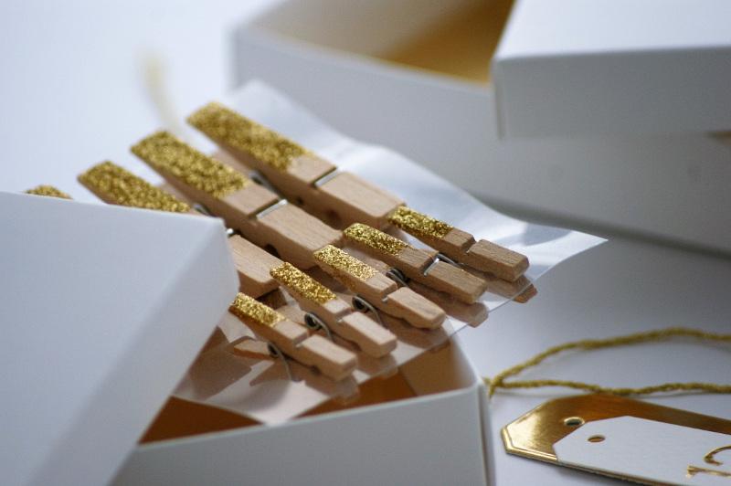 copperandgold.de | ines | adventskalender goldene holzklammern