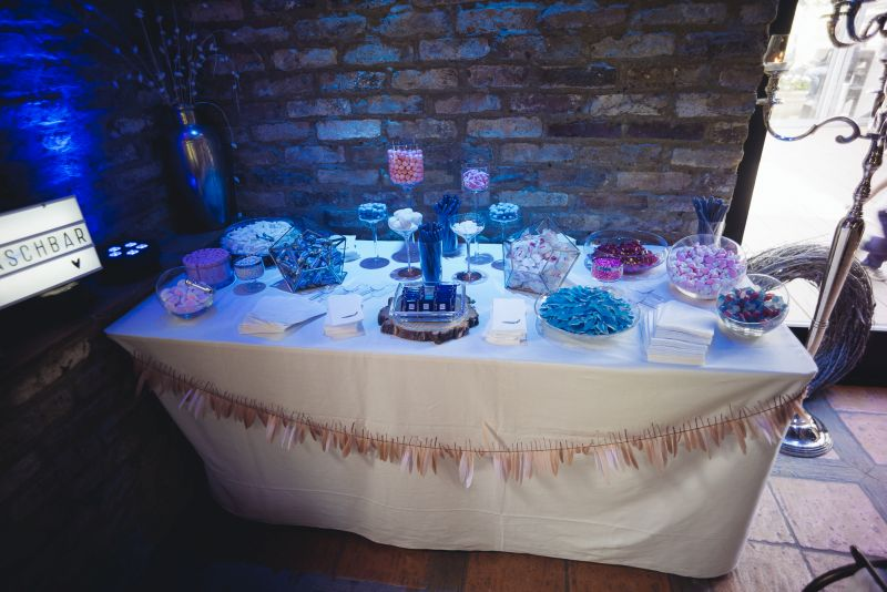 copperandgold.de | ines | wedding decoration . candybar blue and blush