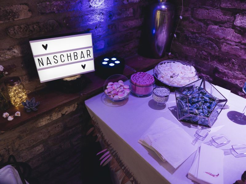 copperandgold.de | ines | wedding decoration . candybar blue and blush